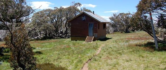 derrick-hut