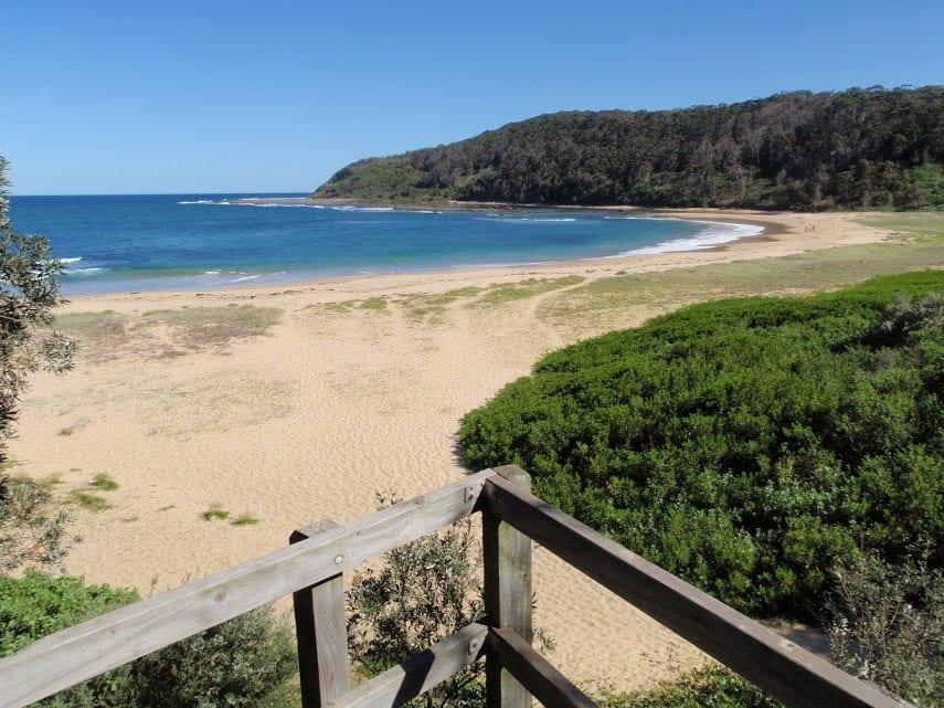 Bateau Bay Beach loop