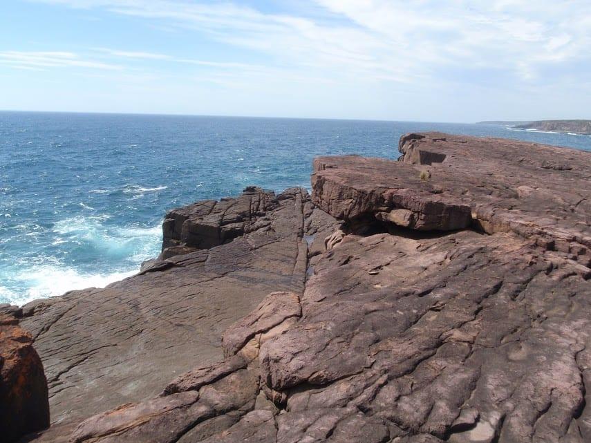 Bittangabee Bay picnic area to black cliffs