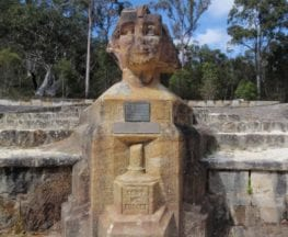Darri and Warrimoo to the Sphinx Memorial