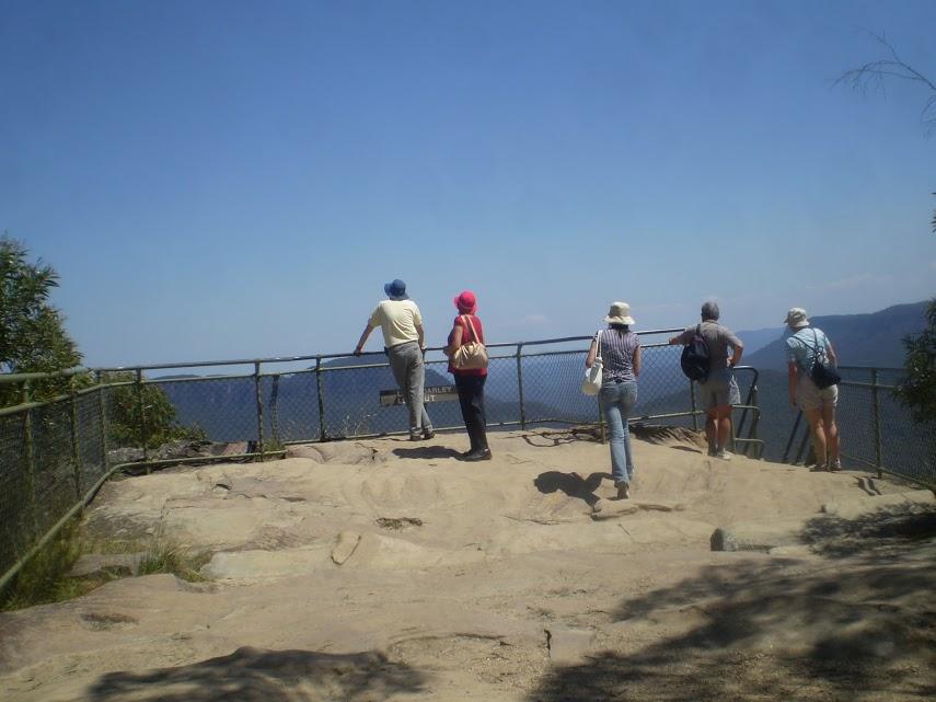 Katoomba Falls to Echo Point via Prince Henry Cliff Walk