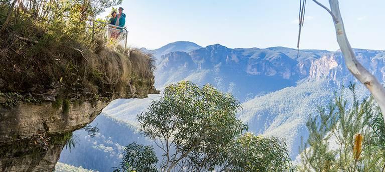 Govetts Leap descent Trail Hiking Australia