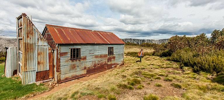 Round Mountain Hut walking track Trail Hiking Australia