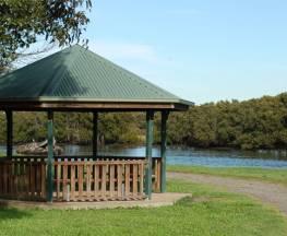 Scotts Point Way to Riverside Park trail Trail Hiking Australia