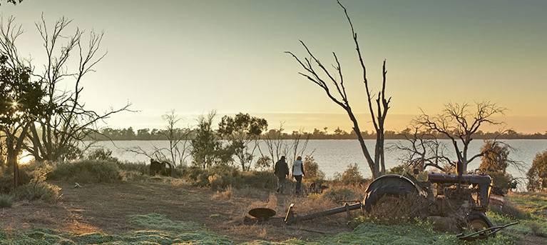 Yanga Lake walking track Trail Hiking Australia